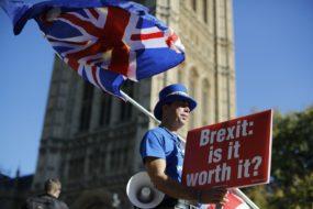 BRITAIN-EU-POLITICS-BREXIT-DEMO